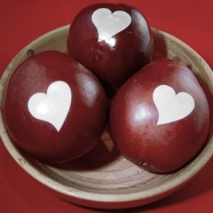 funtoeatfruit.com Hearts Love