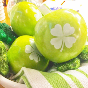 Fun to Eat Green Apples with Shamrocks for Saint Patricks Day Party Ideas for Entertaining