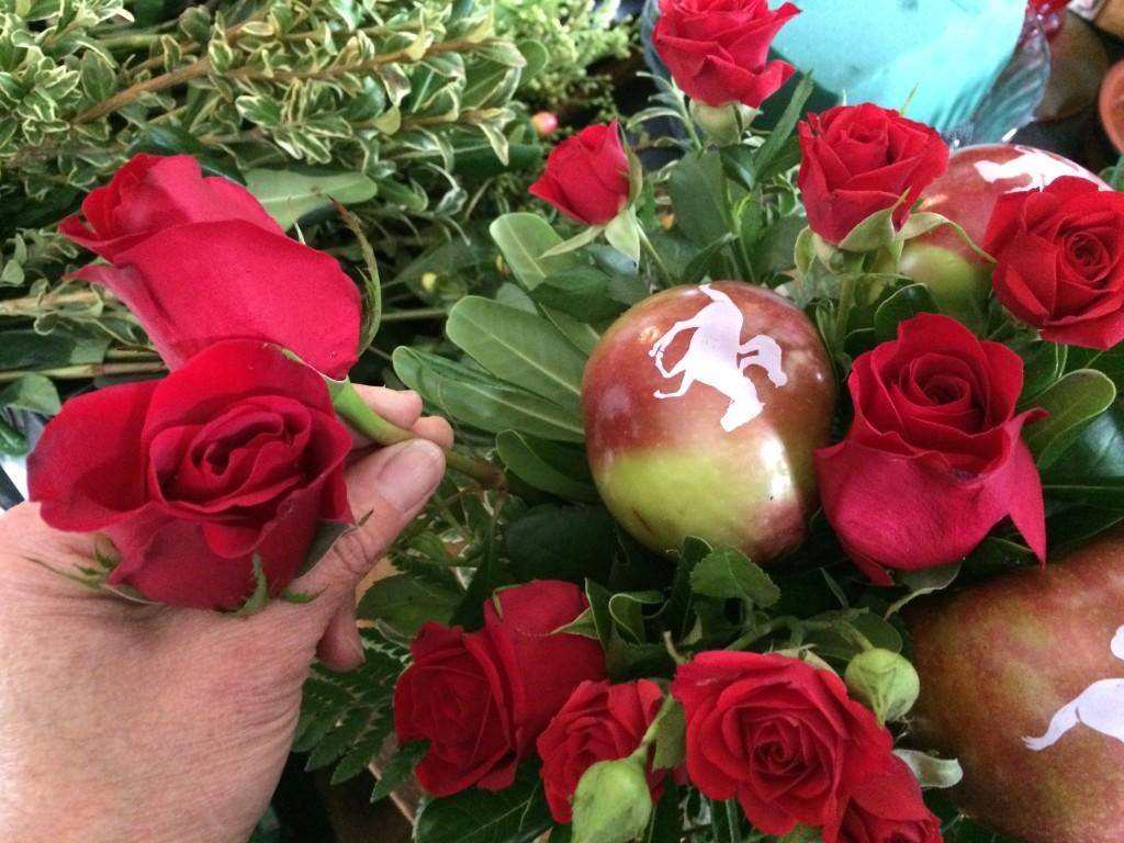 Pinewoods Yankee Farm Fun to Eat Fruit Kentucky Derby centerpiece 2017f