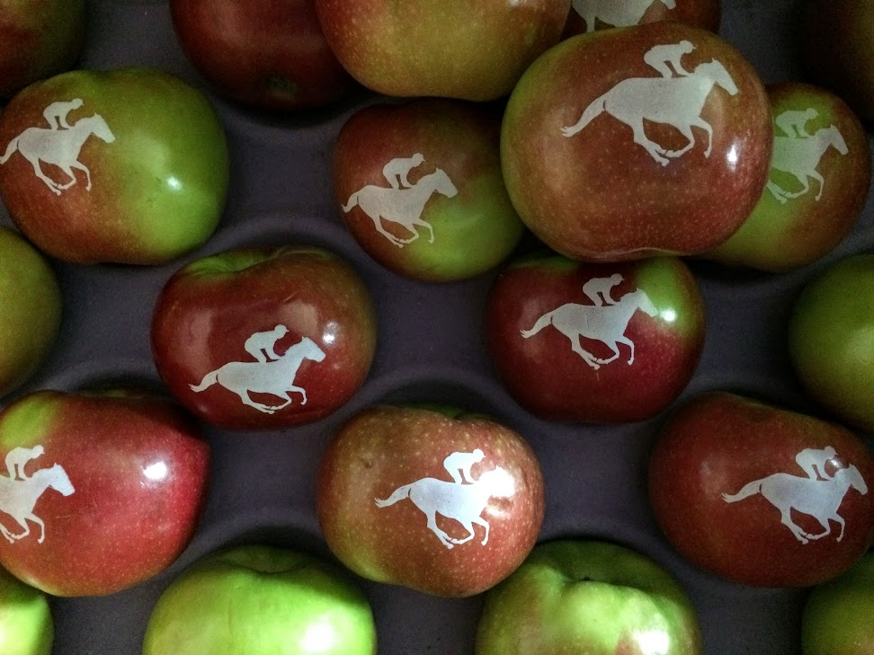 Kentucky-Derby-Run-for-the-Roses-Fun-to-Eat-Fruit-Apples.jpg