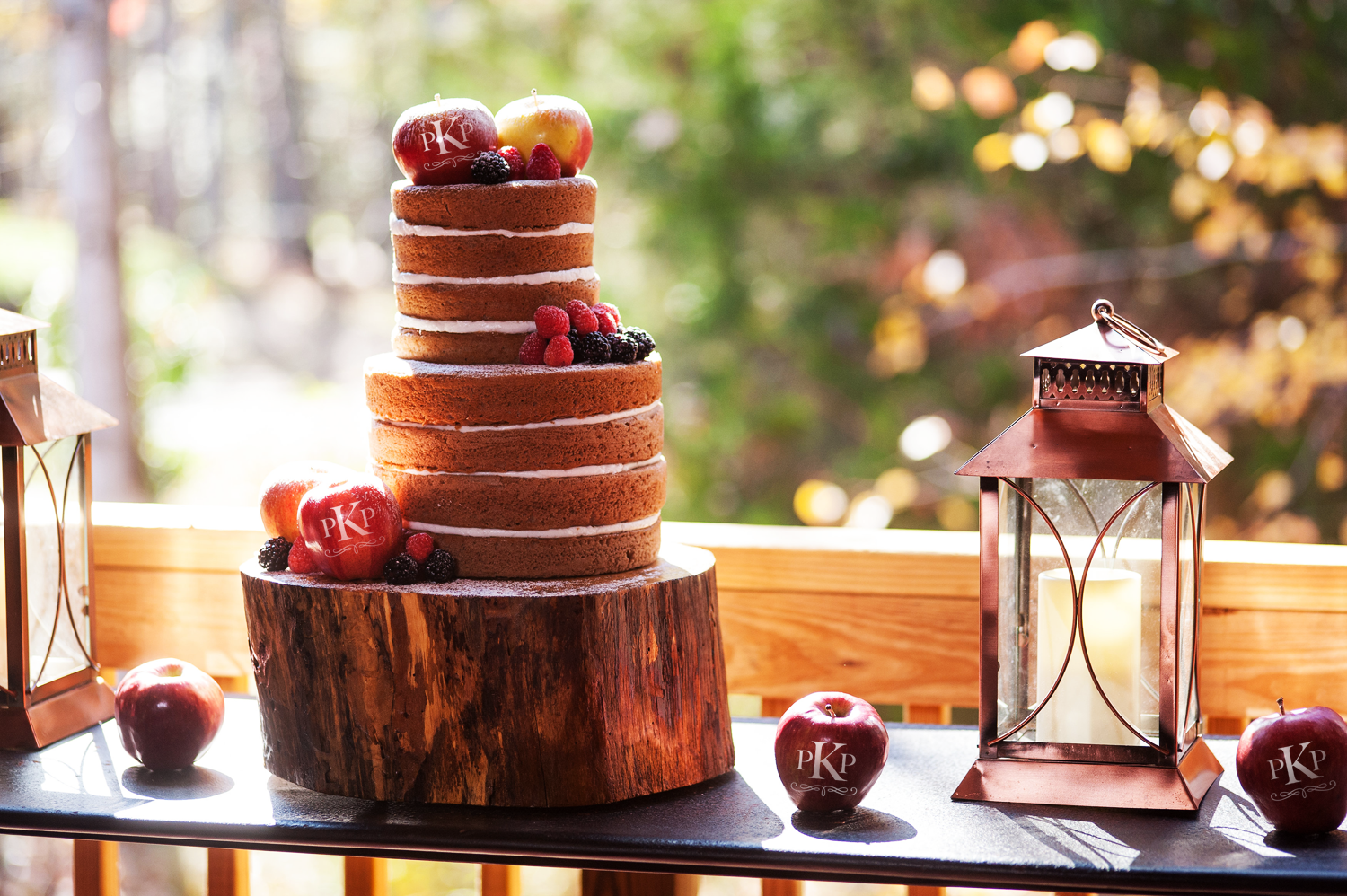 Trending: Naked Wedding Cakes Decorated with Fun to Eat Fruit