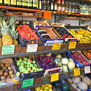 Fun to Eat Fruit team in a lovely fruit shop in Lucca, Italy